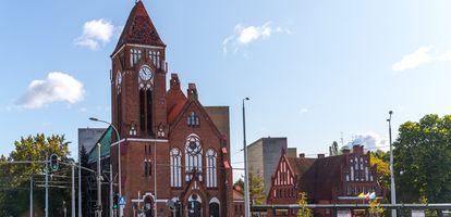Czym charakteryzuje się gdańska dzielnica Siedlce i co ma do zaoferowania mieszkańcom? Sprawdź na GetHome.pl.