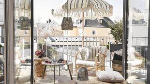 Stylowa aranżacja balkonu i tarasu – poznaj aktualne trendy