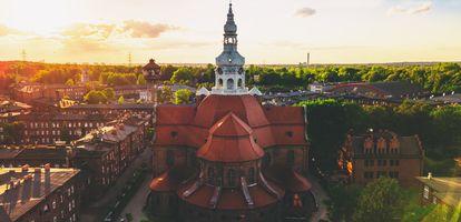 Jak się mieszka i co warto zobaczyć w katowickiej dzielnicy Janów-Nikiszowiec? Sprawdź na GetHome.pl